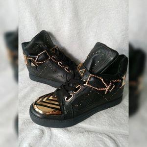 Ivy Kirzhner Black Lunar Rose gold Sneakers sz 7